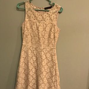 Limited Cream Lace Sweetheart Dress
